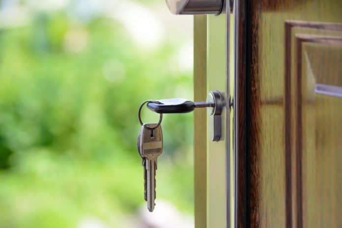secure that patio door lock